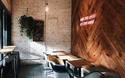 Decora las paredes de tu negocio